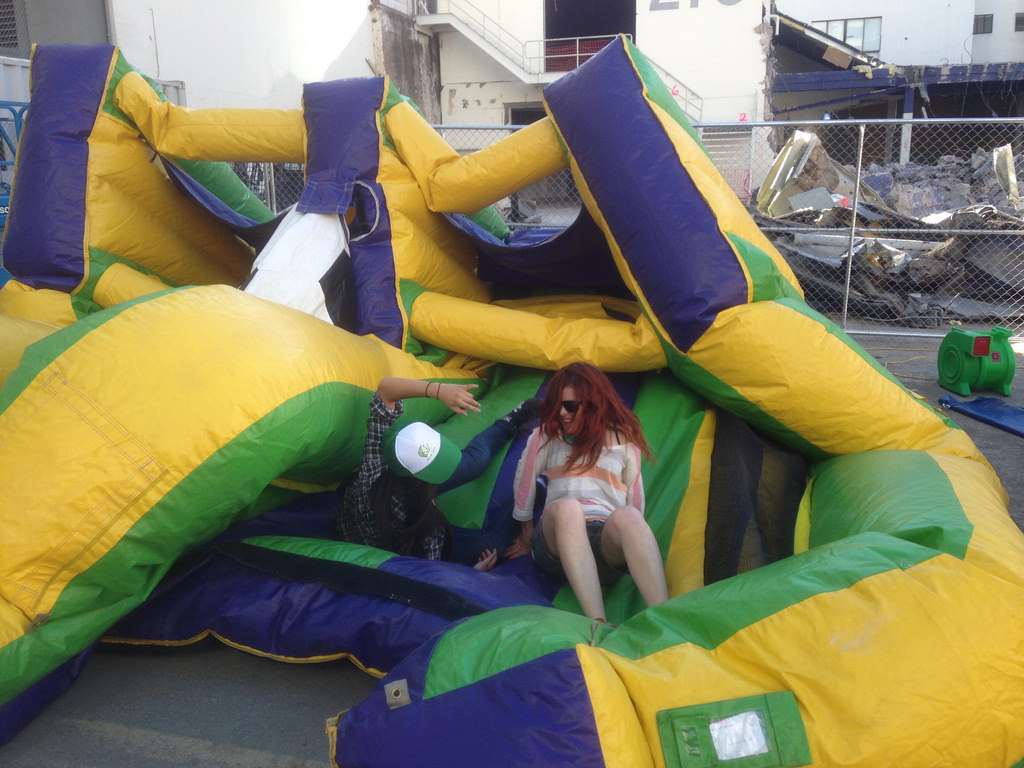 Best Tips when Hiring the Bouncing Castles